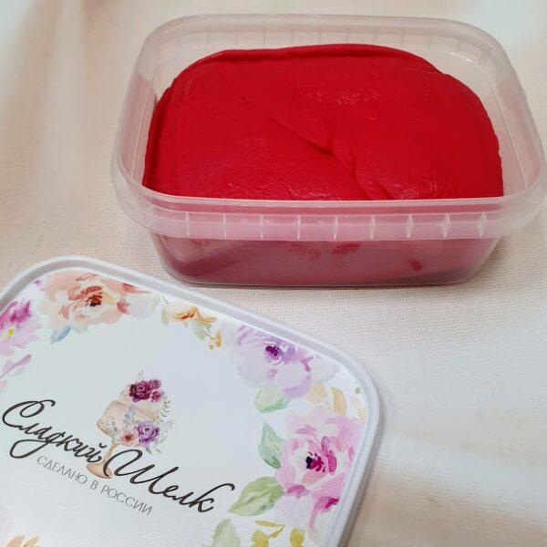 Вкусная мастика сладкий шелк красная