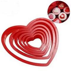 Набор вырубок для печенья Сердечки 6 шт